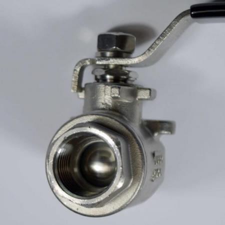 Jaybird 2 piece full port 304 stainless steel ball valve port view